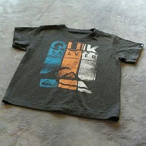 Quiksilver boys size 5 t-shirt